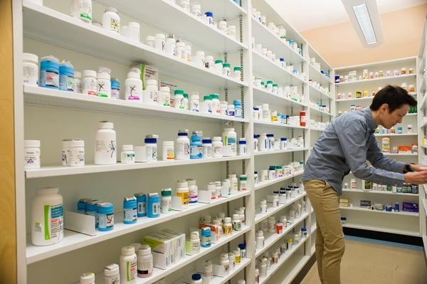 Apicha CHC - Pharmacy stock 7