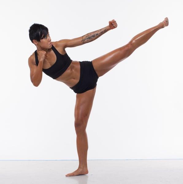 Yvonne Mo kicking